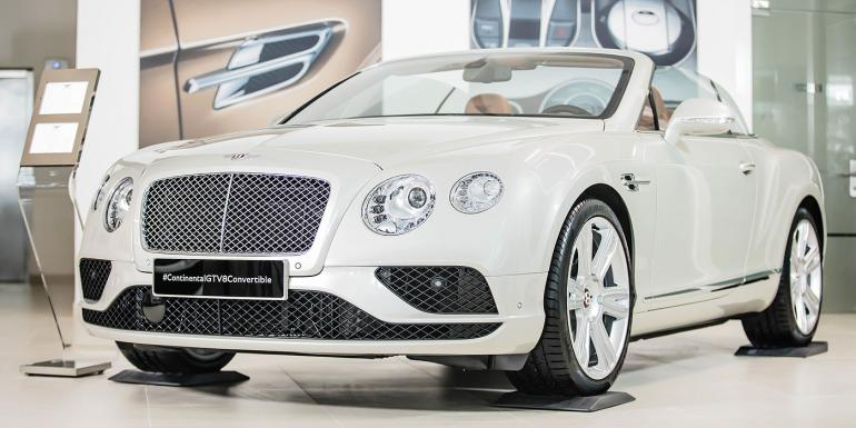 largest-Bentley-showroom-dubai (2)