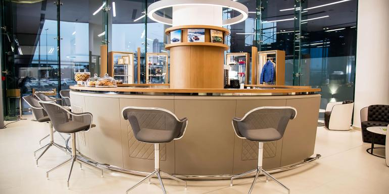 largest-Bentley-showroom-dubai (5)