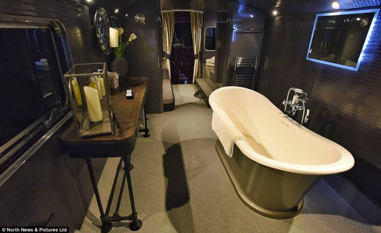 Double decker bus luxury hotel (3)