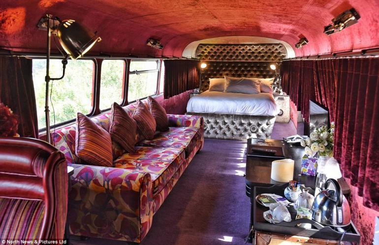 Double decker bus luxury hotel (6)