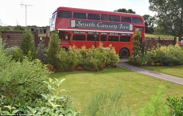 Double-decker bus luxury hotel (8)