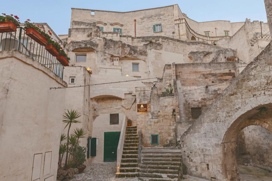 italian-luxury-hotel-cave-4