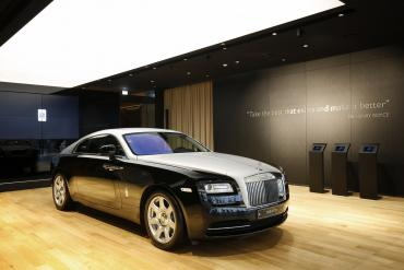 rolls-royce-luxury-studio-asia-1