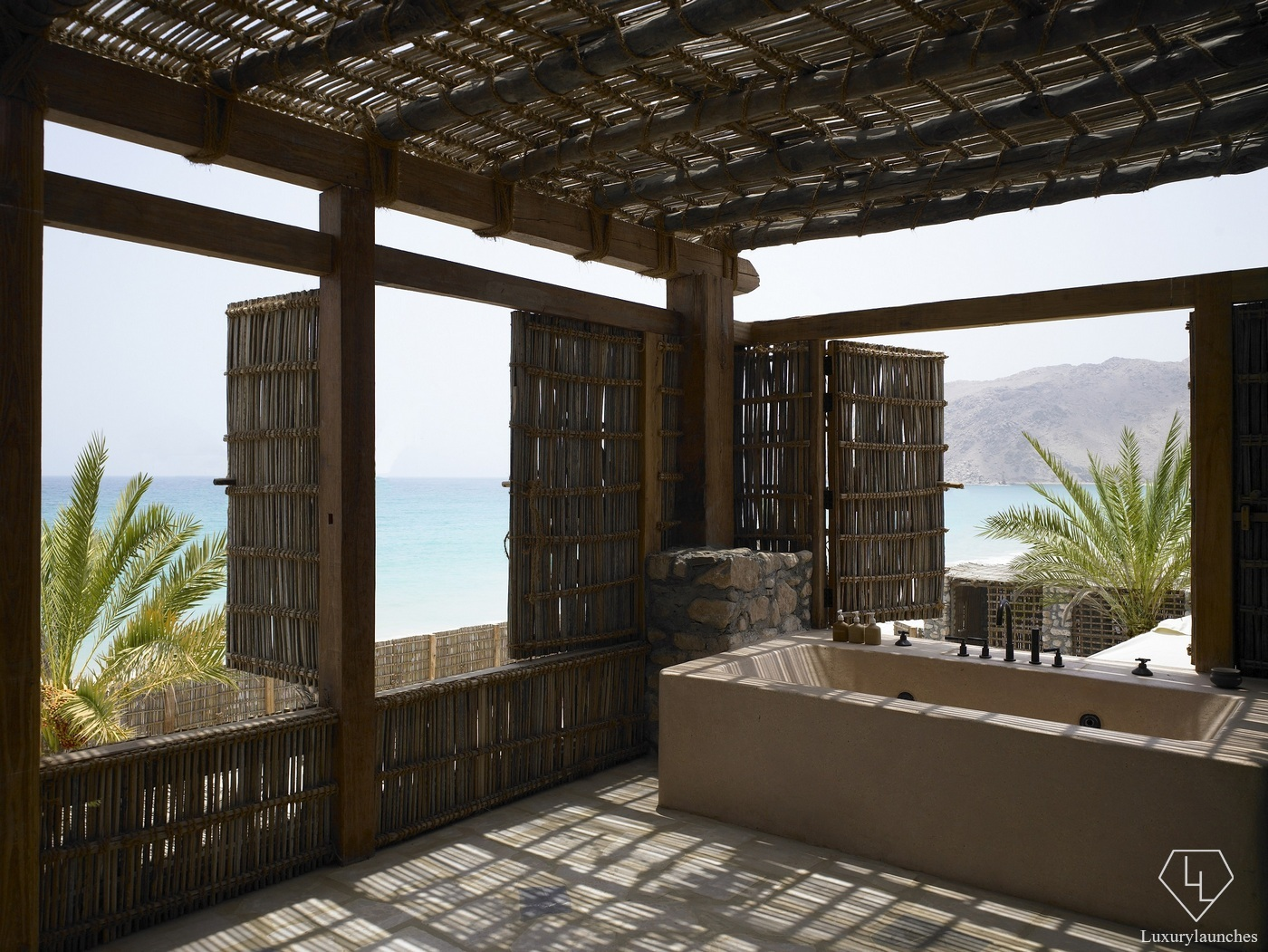 Suite of the week the retreat at six senses zighy bay in for Designhotel oman