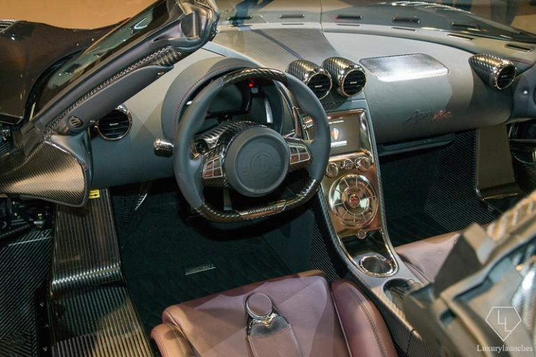 Shiny and luxurious - Carbon fiber and leather interiors