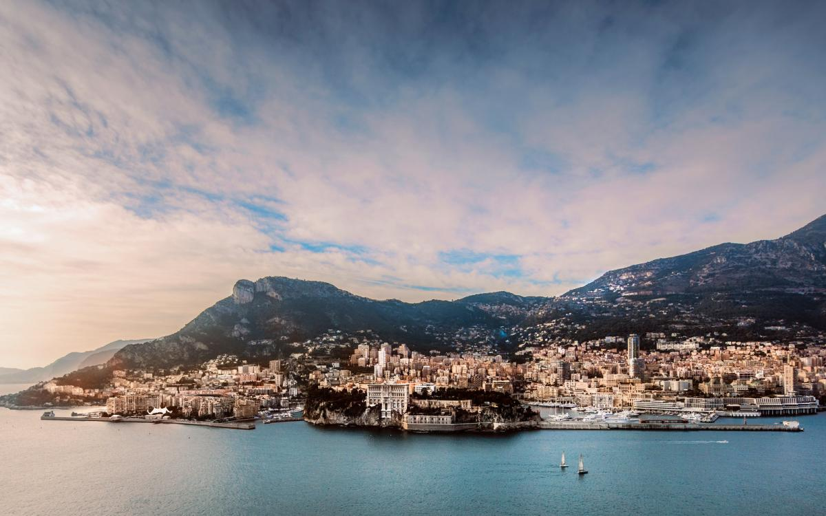 monaco luxury flats in the sea (5)