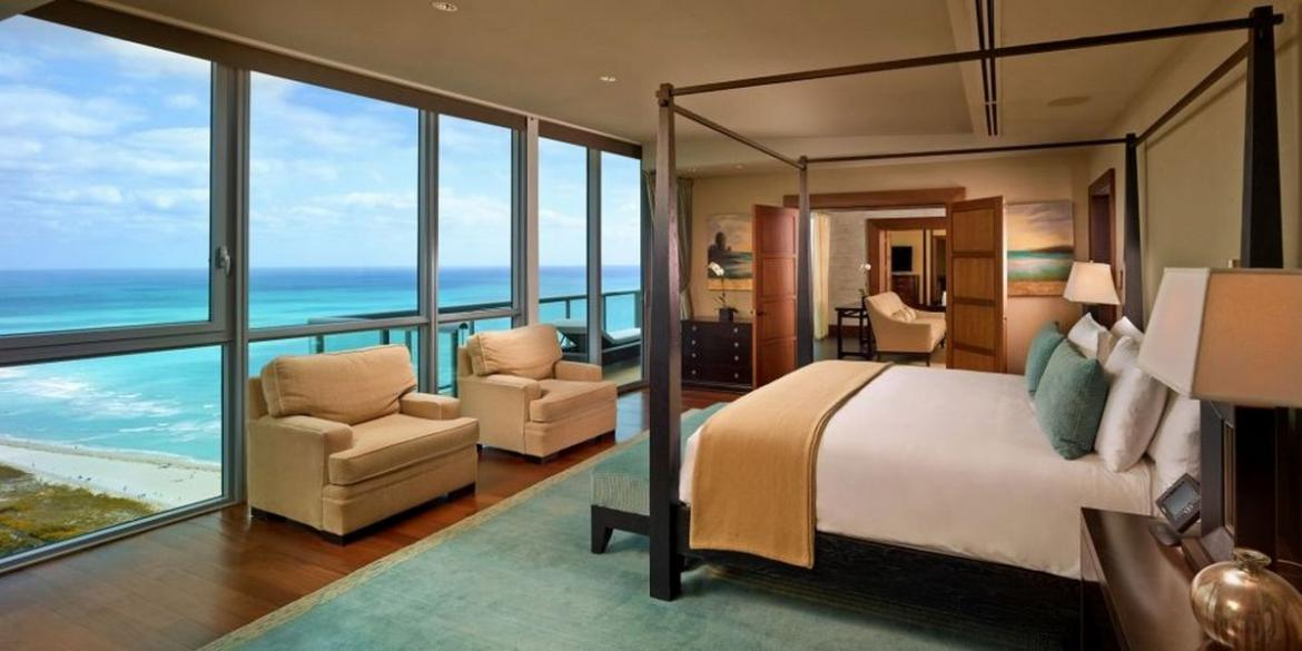 The 3 most expensive hotel beds in america for Most luxurious beach resorts in the world