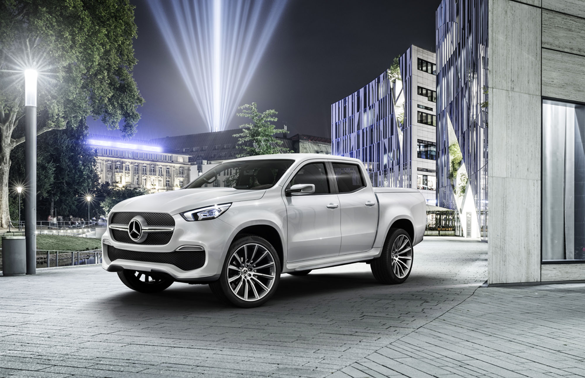 mercedes benz unveils its first pick up truck