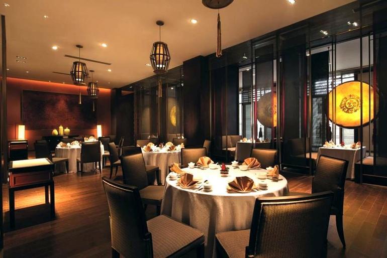 shangri-la-hotel-lhasa-photos-restaurant-shang-palace-main-dining-hall
