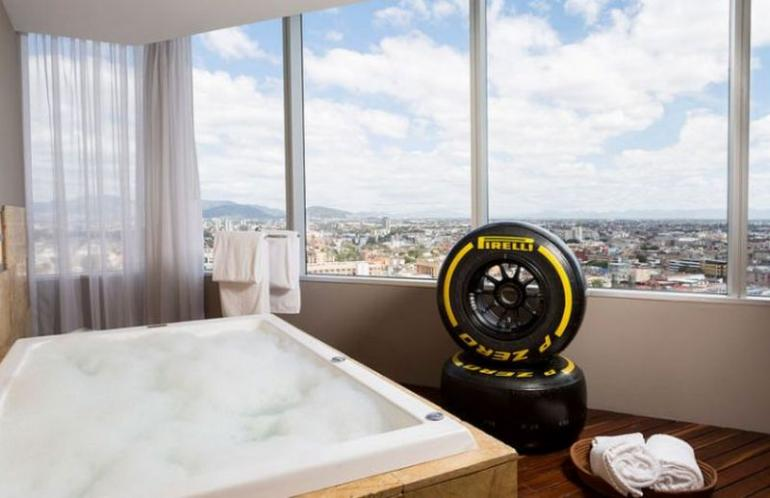 hilton-mexico-mclaren-honda-inspired-racing-suite-2