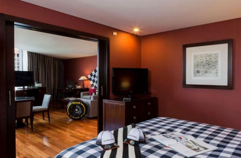 hilton-mexico-mclaren-honda-inspired-racing-suite-5