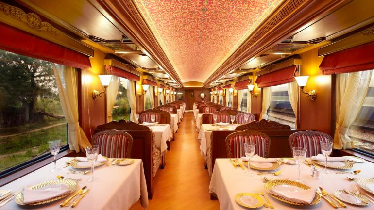maharajas-express-luxury-train-restaurant