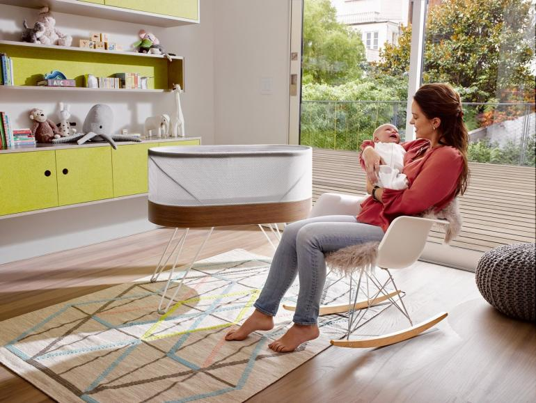 robotic-crib-for-happiest-baby-yves-behar-4