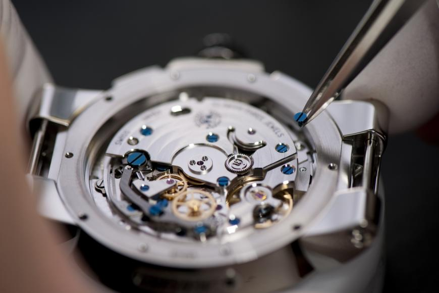 ulysse-nardin-marine-chronograph-annual-calendar-watch-5