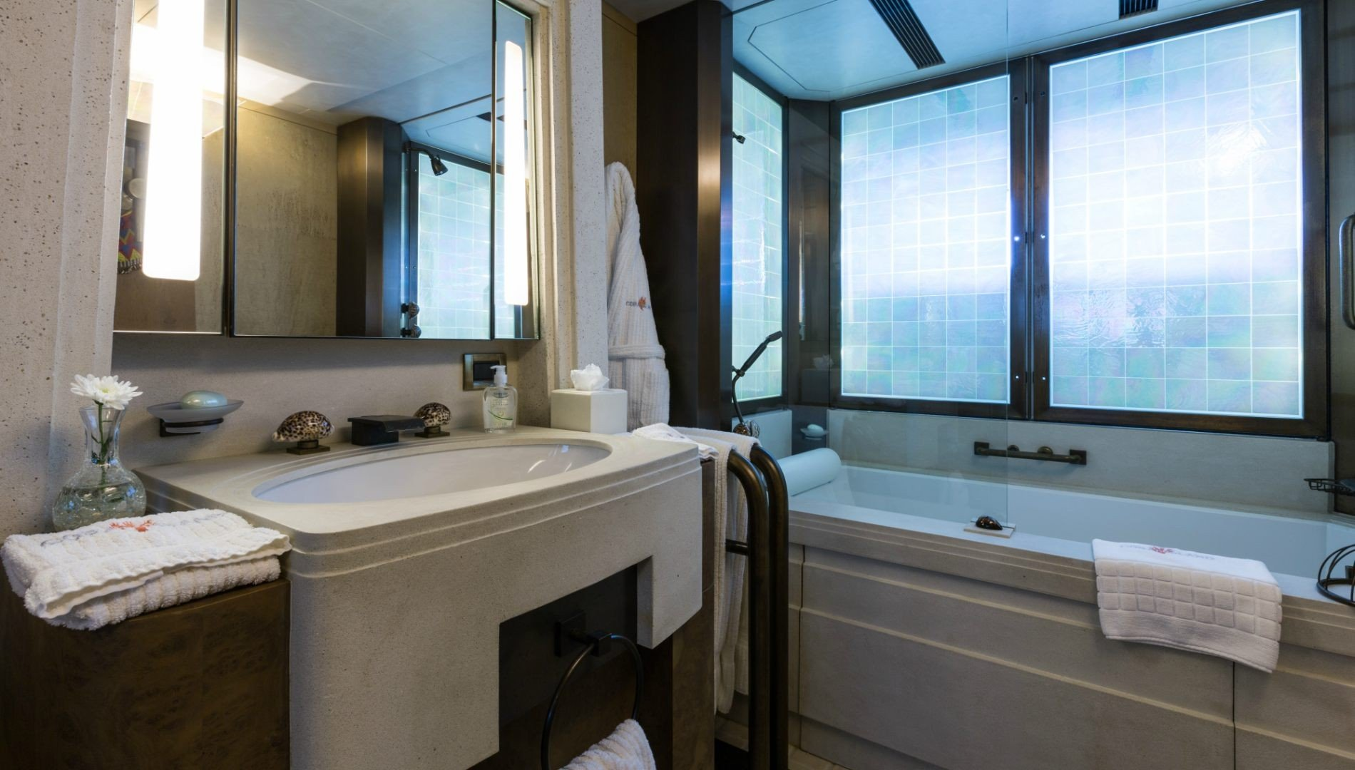 Here are 3 of the most spectacular bathrooms in super yachts - Beautiful Underwater Bathroom Design on living room underwater, bedroom underwater, bathroom art underwater, bathroom under the sea,