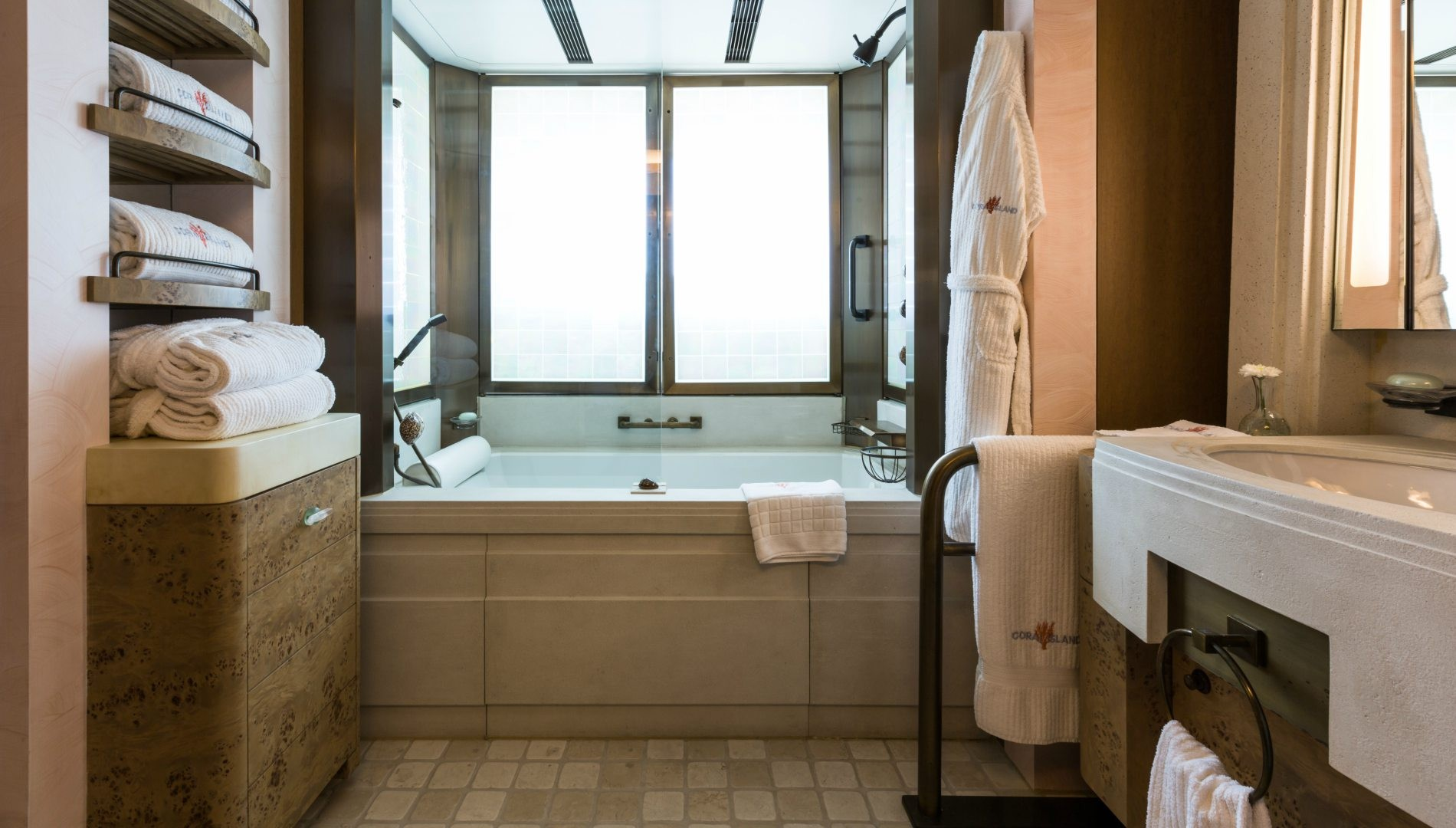 Here are 3 of the most spectacular bathrooms in super yachts - Beautiful Underwater Bathroom Design on bathroom under the sea, bathroom art underwater, bedroom underwater, living room underwater,