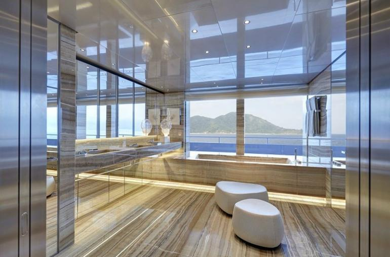 02-owners_bathroom_screen_seychelles_02-courtesy-feadship