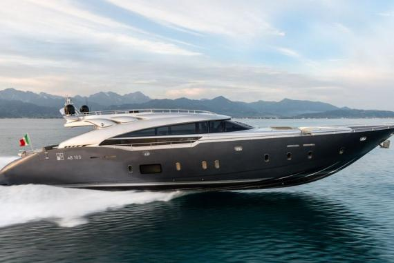 ab-100-spectre-yacht-1