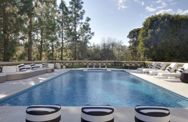 the-manor-holmby-hills-3
