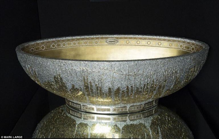 gold-crystal-bathtub-4