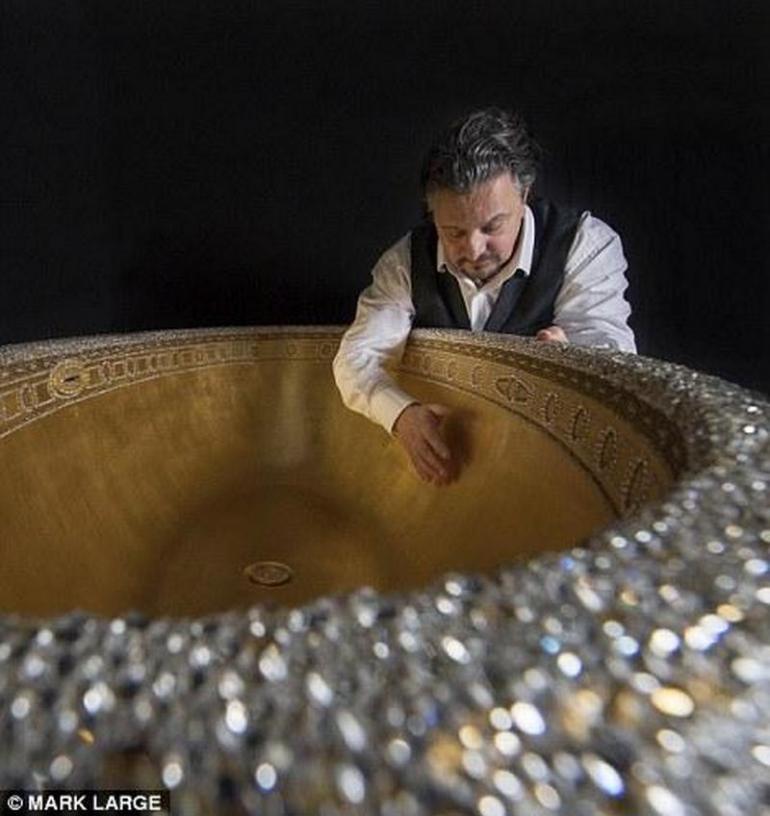 gold-crystal-bathtub-6