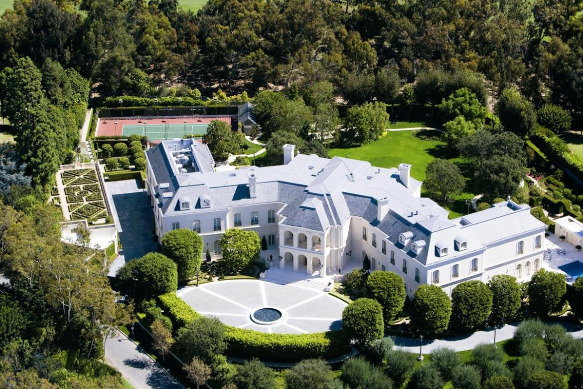Take a look inside the most expensive home in america for Most expensive house in us