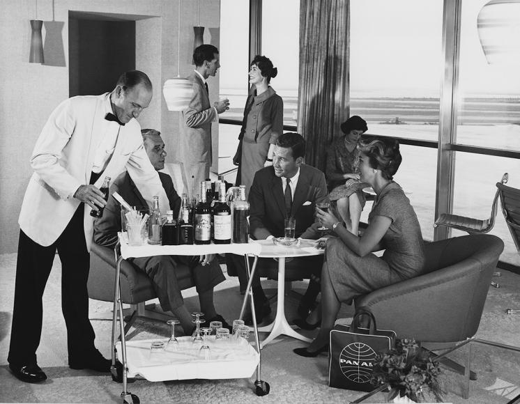 The Pan Am experience starts with drinks at the lounge.