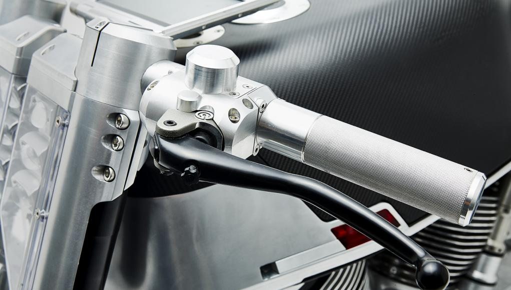 vanguard-roadster-motorcycle-07