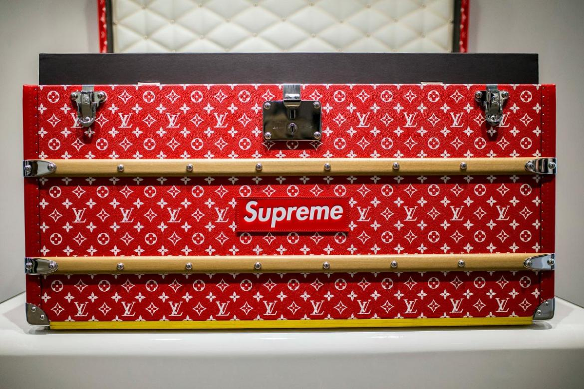 you won t believe the price of that louis vuitton x supreme trunk. Black Bedroom Furniture Sets. Home Design Ideas