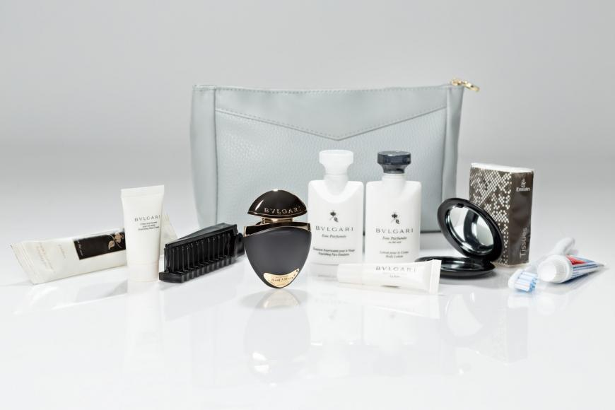 emirates womens first class amenity kit 2