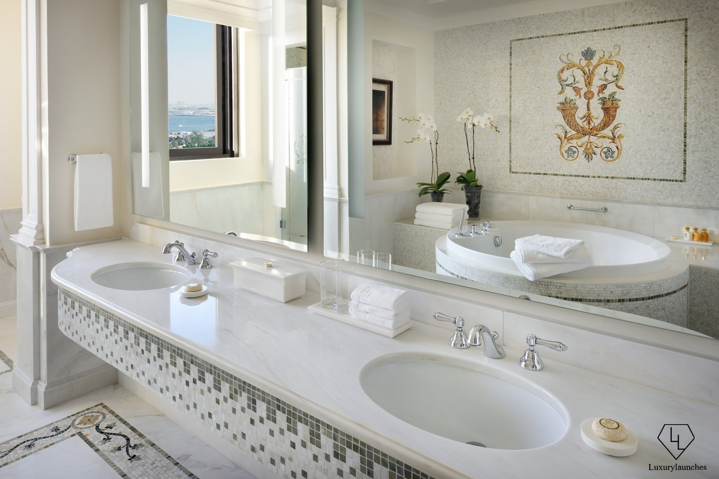 Suite Of The Week The Imperial Suites At Palazzo Versace