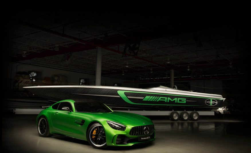 Mercedes-AMG-GT-R-and-Cigarette-Racing-Team-50-Marauder-AMG-boat-103-876x535