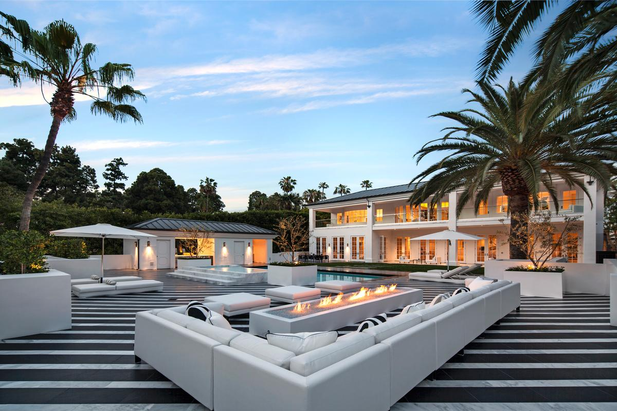 Beverly hills houses for sale million square foot for Most expensive homes for sale in california