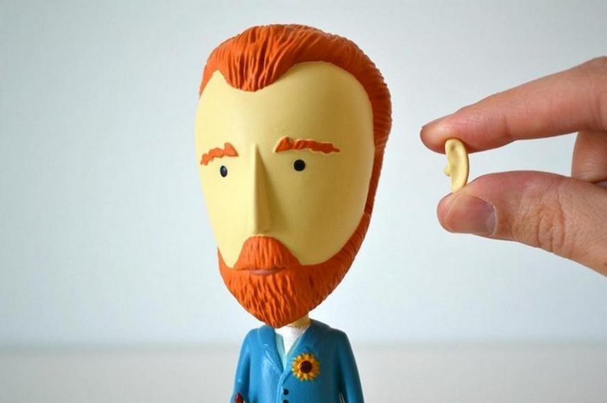 Van Gogh action figurine (3)