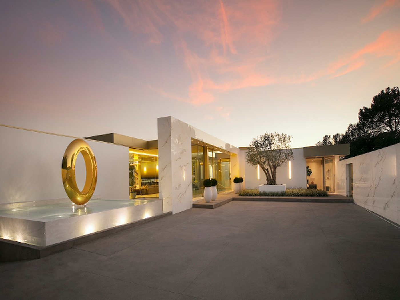 Check Out This 100 Million Beverly Hills Mansion That