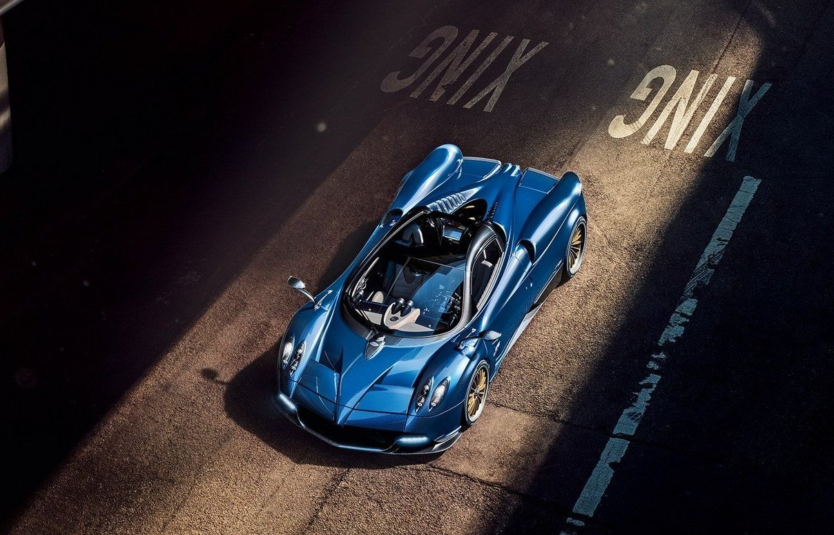 Pagani Huayra Roadster - 7 interesting facts on the $2.4 million convertible