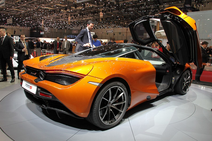 mclaren 720s makes it public display at 2017 geneva motor show. Black Bedroom Furniture Sets. Home Design Ideas