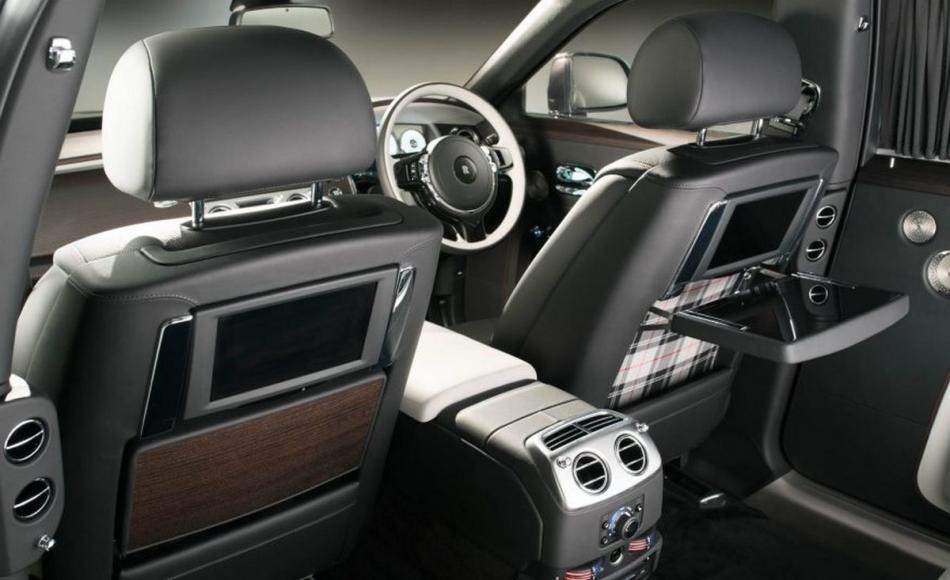 Rolls-Royce-Ghost-Elegance-103-876x535