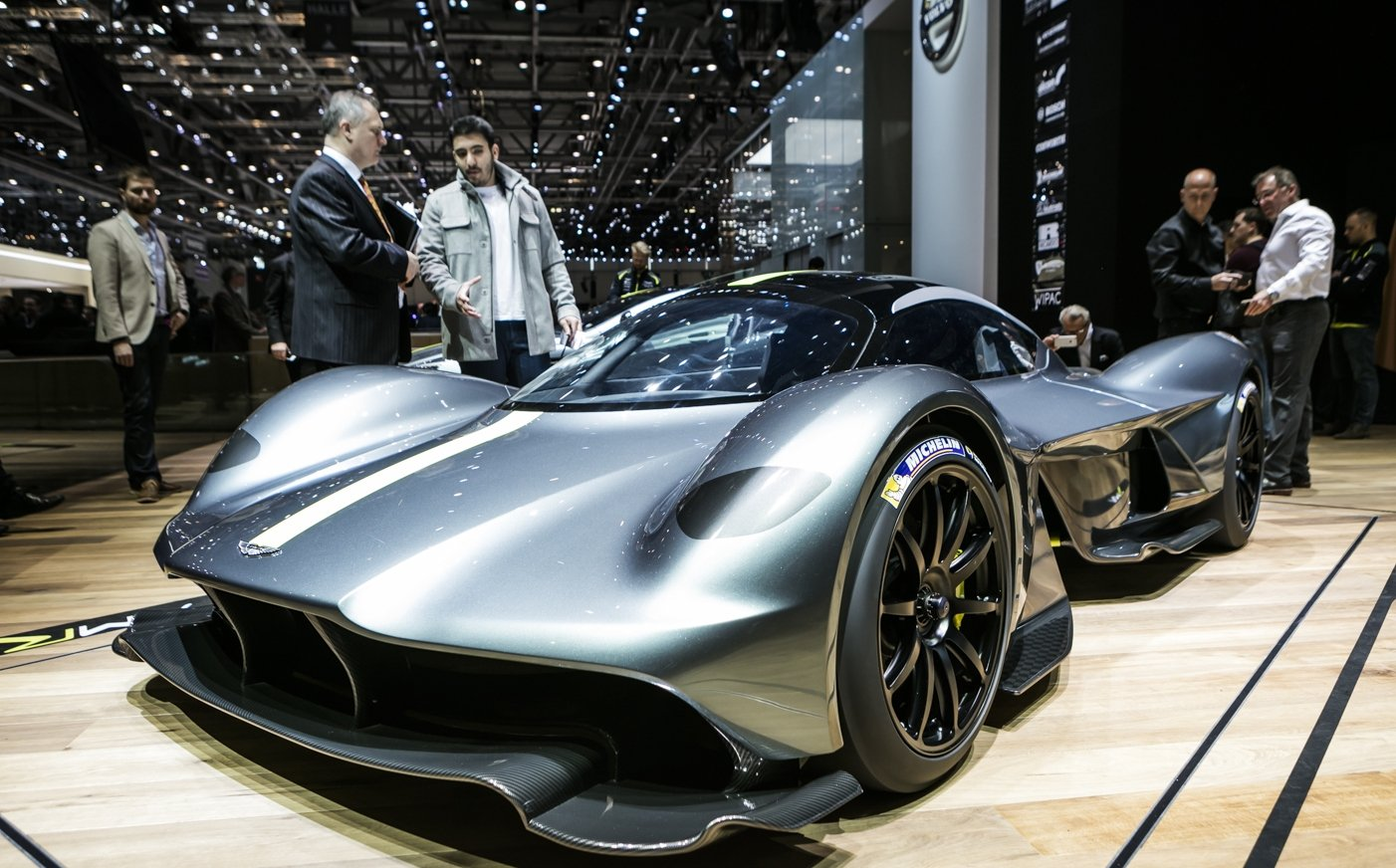 Most Expensive Car In The World >> Aston Martin Valkyrie - 7 interesting facts on the mental hypercar