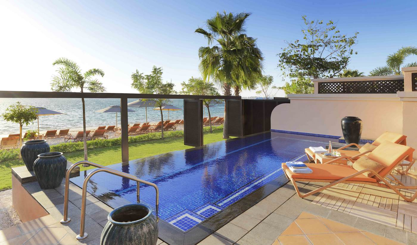 Suite of the week one bedroom beach pool villa at anantara the palm dubai resort for Hotel with private swimming pool in dubai