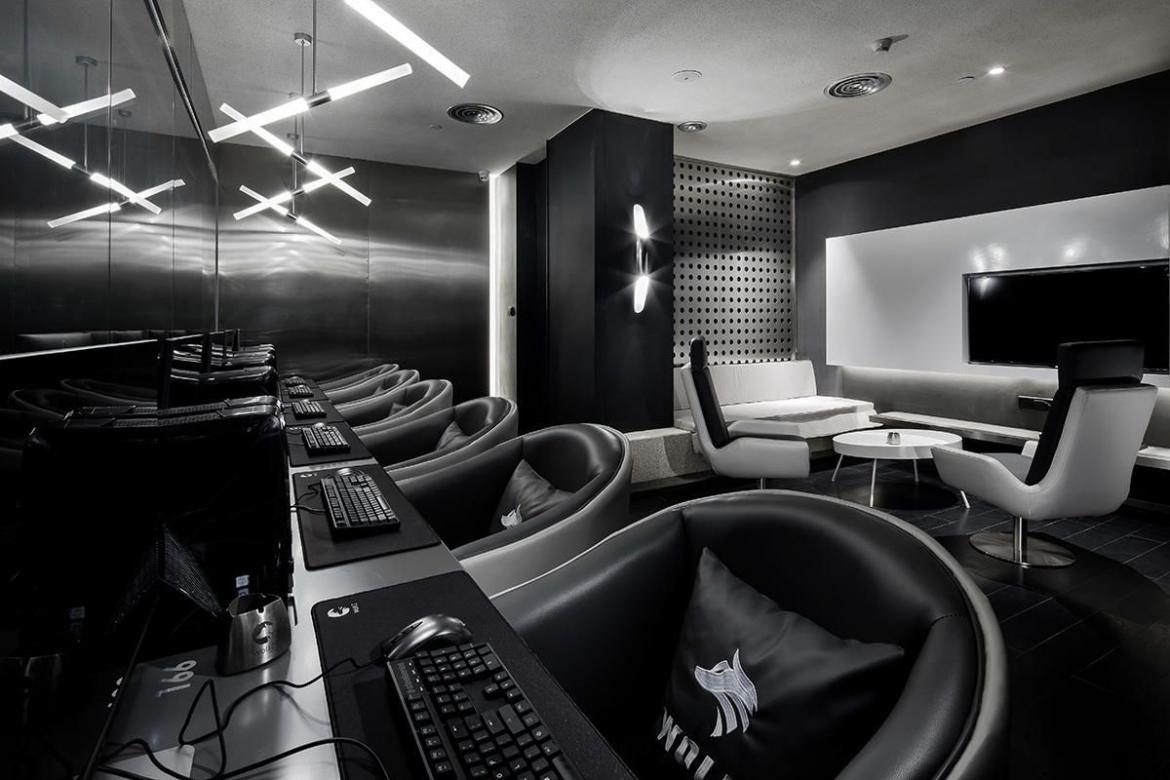 China S New Swank Gaming Lounges Are Ensuring Gamers Won T Ever Want To Leave Luxurylaunches