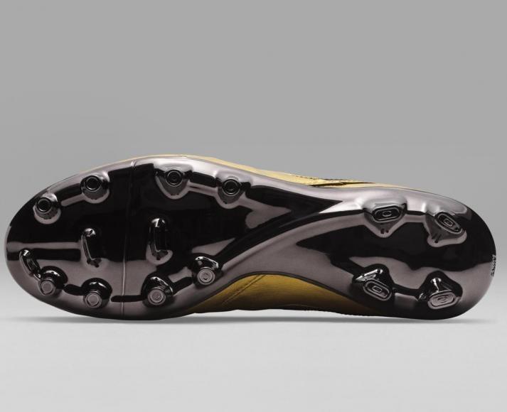 Nike - Tiempo Totti X Roma boots (7)