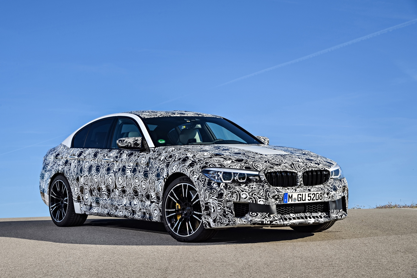 2018 bmw m5 to arrive with m xdrive and 600hp on tap. Black Bedroom Furniture Sets. Home Design Ideas