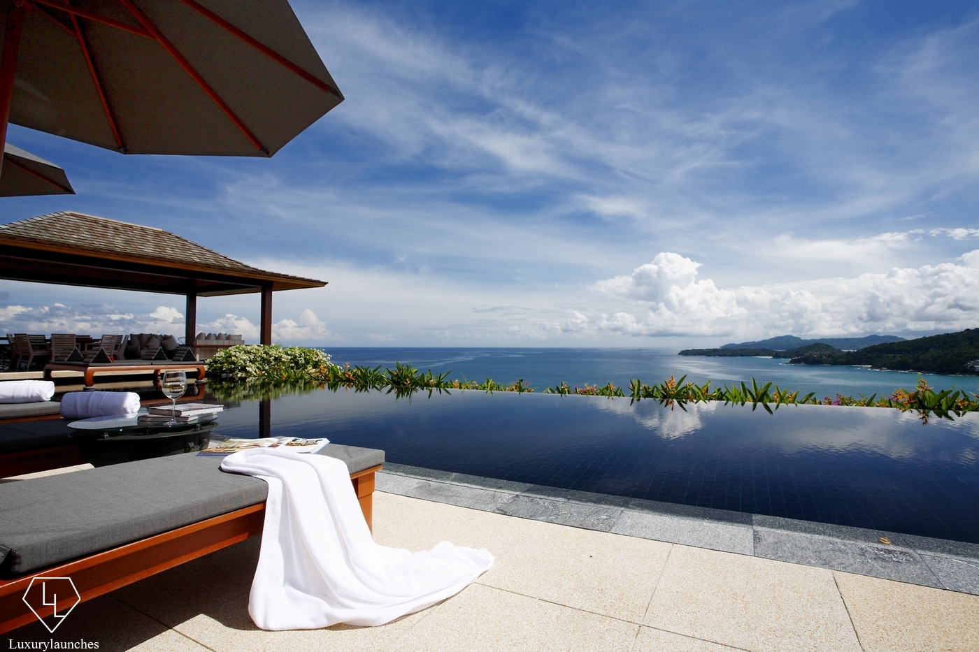 Top 8 most beautiful luxury villas in thailand 2017 for Villas with infinity pools