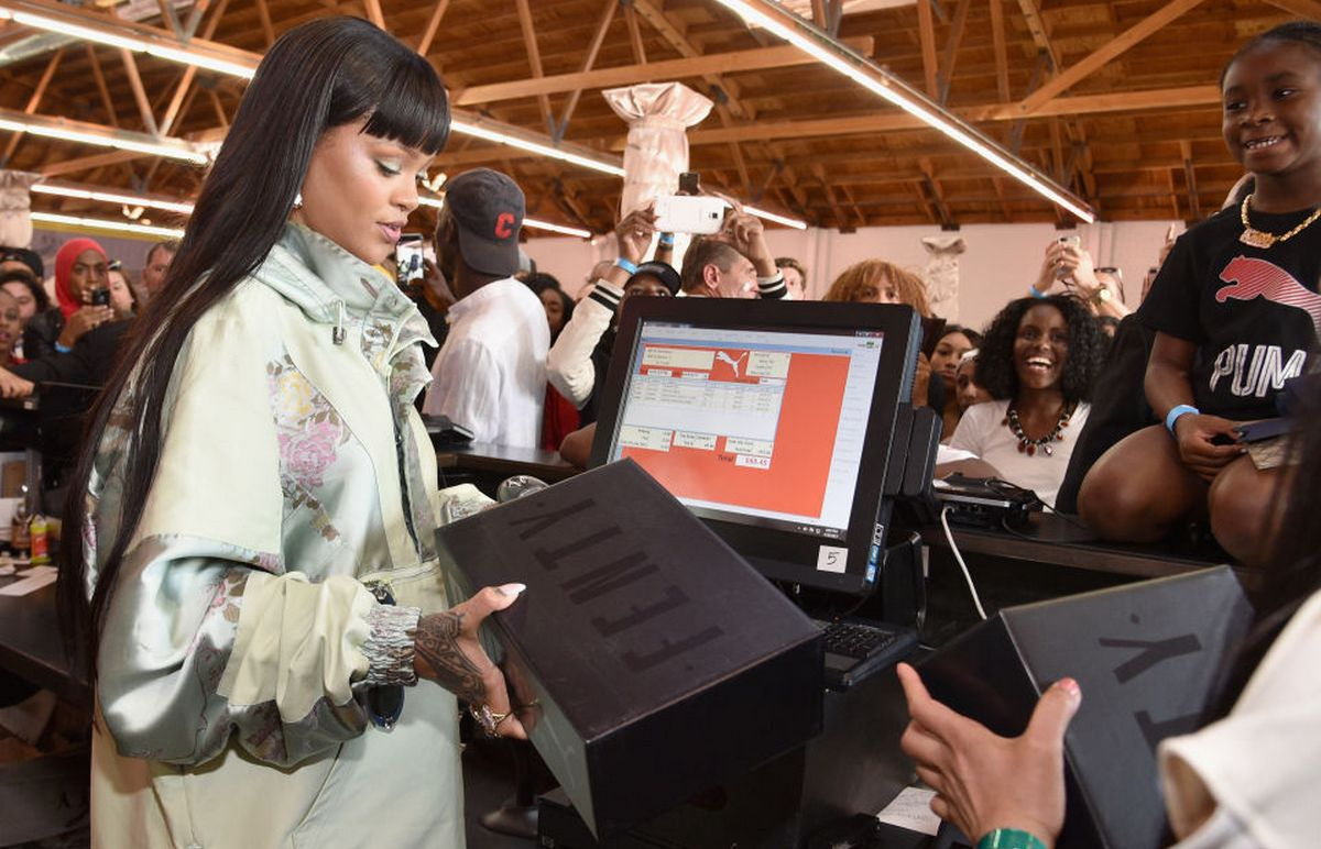 Rihanna plays cashier at the recently held LA Fenty Pop-up : Luxurylaunches