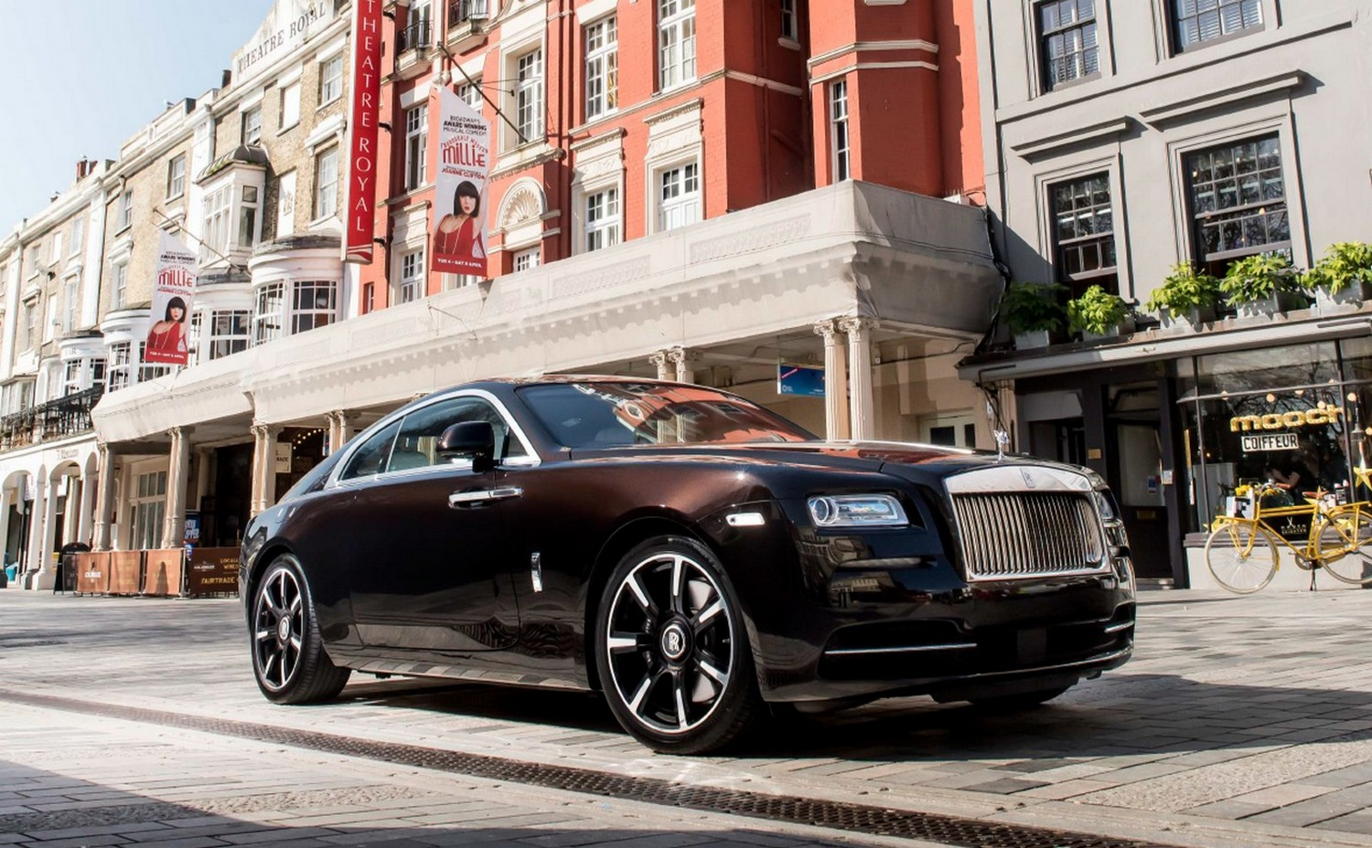 Bespoke Rolls-Royce Wraith commissioned by legendary singer Roger Daltrey goes on display