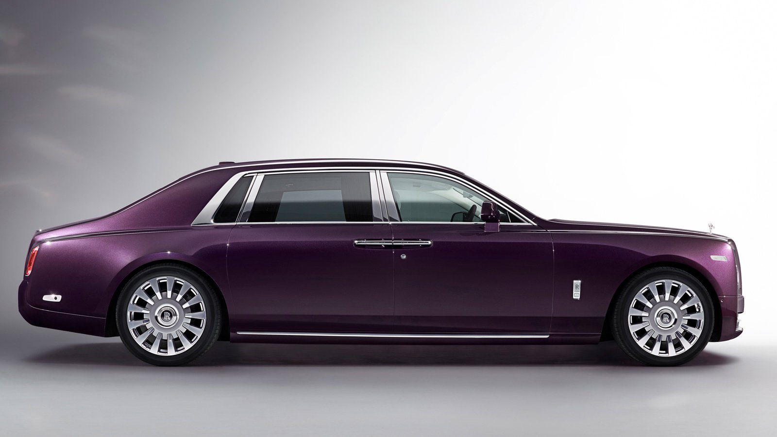 Rolls-Royce Phantom VIII revealed; is the most silent car in the world
