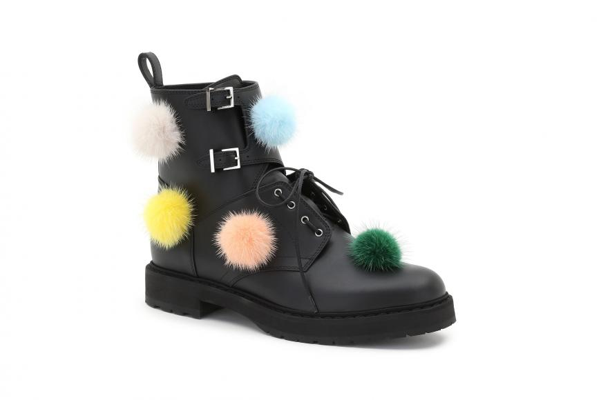 03_FENDI Multicolour Fur Pompons_Packshot_boots