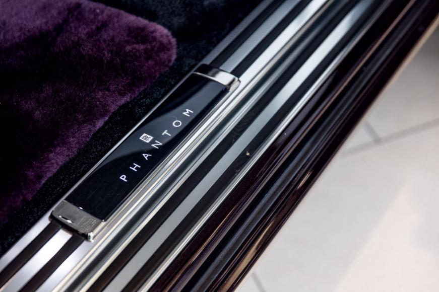 Rolls-Royce-Phantom-12