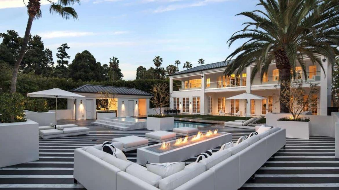 House tour floyd mayweather s 25 5 million beverly hills for Celebrity home tours beverly hills
